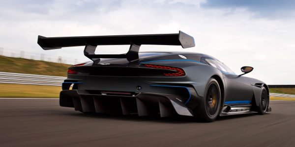 aston-martin-vulcan-top-speed